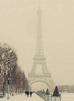 A trip to Paris. A winter wonderland. #beautiful #gorgeous #ScoreSense