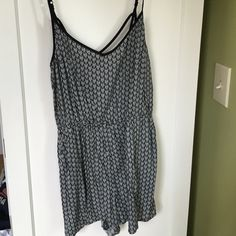 H&m romper crossback chevron Black and white romper never worn black lining with small chevron print H&M Other