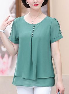 Women's Casual Fashion Shifon Blouse, Casual Dresses, Casual Outfits, Fashion Outfits, Kurta Designs, Blouse Designs, Sewing Blouses, Athleisure Trend, Basic Outfits