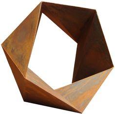 Gilberto Lustosa  Sólido 5 lados, Sac 300, 100 x 100 x 55 cm,2012.