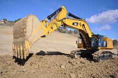 Cat 390F large excavator from Caterpillar