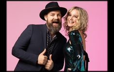 COUNTRY MUSIC TRIVIA: 10 INTERESTING SUGARLAND FACTS Beyonce Songs, Jennifer Nettles, Comfortable Jeans, Country Music Artists, American Music Awards, Jon Bon Jovi, Keith Urban, Dolly Parton, Music Icon