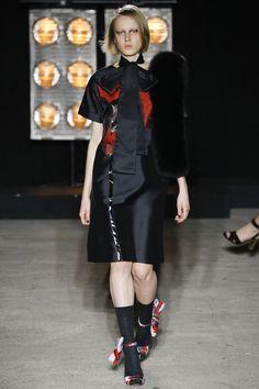 Osman Fall 2016 Ready-to-Wear Fashion Show