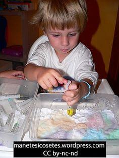 pintar amb bicarbonat i xeringues de colors efervescents 03