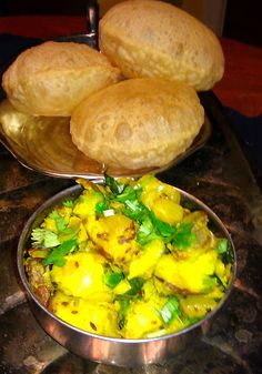 Poori and Batata Bhaji Puri Recipes, Veg Recipes, Indian Food Recipes, Vegetarian Recipes, Indian Foods, Veg Dishes, Tasty Dishes, Food Dishes, Food Food