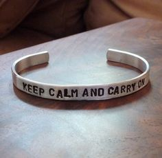 keep calm and carry on bracelet. must have!