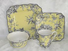 222 Fifth Adelaide Yellow French Toile Bird 24 PC Dinnerware Serv 6 12 New Asian Dinnerware, Yellow Dinnerware, Dinnerware Sets, 222 Fifth Dinnerware, Antique Tea Sets, Grey Plates, Porcelain Mugs, Chocolate Pots, Vintage Dishes