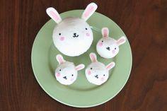 DIY easter bunny cupcakes.