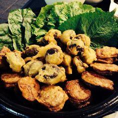식객촌 무명식당의 오징어순대.  'Cuttlefish Soondae'-Sausage made of beef and bean curd stuffed in cuttlefish in 'Moomyeong sikdang'(No sign board restaurant).   #KoreanFood #Korea #Food