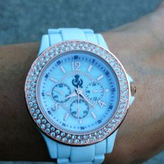 My new beautiful watch. I love it!