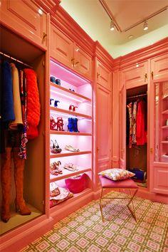 http://www.refinery29.com/2014/05/67718/kips-bay-interior-design#slide1  A walk-in closet that demands attention.