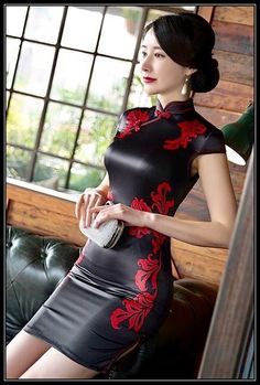 china dress New Winter Chinese Traditional Dress Silk Satin Cheongsam Print Stand Collar Cap Sleeve Qipao Dresses Short Style Dress Tight Dresses, Sexy Dresses, Short Dresses, Fashion Dresses, Mode Latex, Looks Pinterest, Jolie Lingerie, Leather Dresses, Beautiful Asian Women