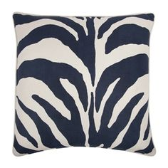 Loving the blue zebra stripes.