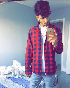 I think it was my first mirror selfie 🤳😅 Cute Indian Guys, Indian Boy, Stylish Mens Haircuts, Stylish Mens Outfits, Most Stylish Men, Stylish Boys, Cool Boy Image, Cute Boys Images, Beard Boy
