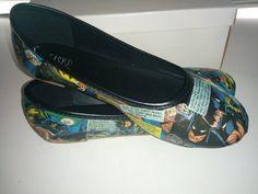 "Batman ""Shadow of the Bat"" Issue #10 Comic Shoes - Women's Size 8"