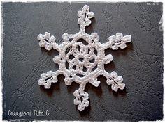 fiocco di neve all'uncinetto