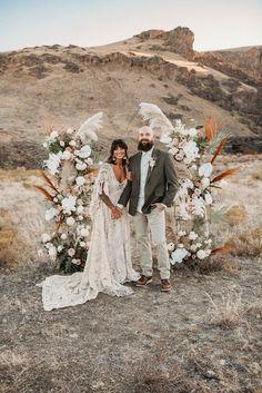 Julie and Jordan Styled Shoot - Ivory and Sage Events Wedding Hats, Elope Wedding, Boho Wedding, Dream Wedding, Wedding Desert, Boho Bride, Spring Wedding, Floral Wedding, Bridal Shoot