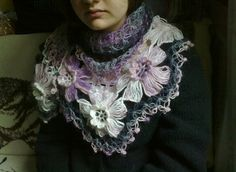 Flower Power Shawl by Ekin Deniz free Ravelry download
