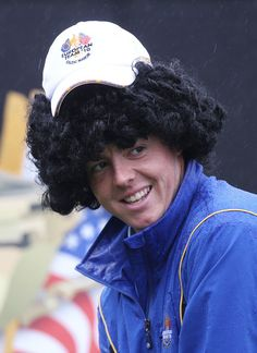 Rory getting a bit of a hard time for his hair from his teammates at the 2010 Ryder Cup Rory Mcilroy, Ryder Cup, Wigs, To Go, Golf, Hair, Fun, Hair Wigs, Whoville Hair