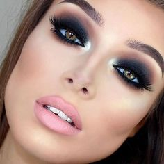 Maquiagem perfeita! ❤️ Via @fashion_glamorouslife