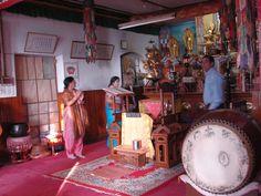 #magiaswiat #podróż #zwiedzanie # dardżyling #blog #azja #katedra #indie #pałac #ogrody #zabytki #swiatynia #stupa #kolejka #pociag #mahakala #tigerhill #wschod #słońce #yigachoeling #monastery #miasto #drukthuptensangag # cholingmonastery #himalaje #swiatyniatybetanska #swiatyniajaponska Indie, Fair Grounds, Blog, Blogging