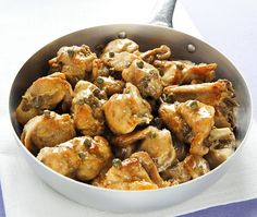 The Sicilian original hunter rabbit style recipe is different from those prepared abroad or in the other regions of Italy. Discover more here. Sicilian Recipes, Sicilian Food, Cacciatore, Rabbit Food, Xmas Food, Fun Cooking, Italian Style, Chicken Wings, Slow Cooker