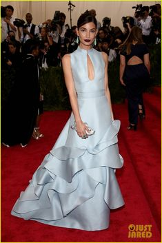 Lily Aldridge is a Beauty in Blue at Met Gala 2015
