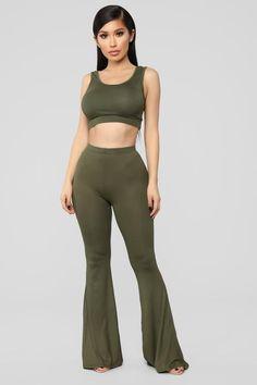 Keep It On The Low Set – Olive – fashion nova jeans high waist Casual Outfits, Cute Outfits, Fashion Outfits, Older Women Fashion, Womens Fashion, Janet Guzman, Fashion Nova Models, High Waist Jeans, Crop Tops