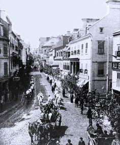 Sur la rue St-Jean-Parade de la St-Jean-Baptiste le 24 Juin 1880. Old Quebec, Quebec City, Chute Montmorency, Chateau Frontenac, Saint Jean Baptiste, Le Petit Champlain, Montreal Ville, Colonial Architecture, Close To Home