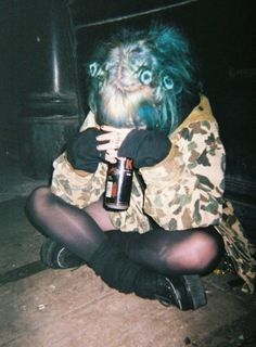 aciddaisies: ✞ soft grunge/models ✞ 10 things guys HATE in bed take note girls… Soft Grunge, Grunge Style, Style Indie, Grunge Goth, Grunge Tumblr, Nu Goth, Grunge Outfits, Grunge Fashion, Tokyo Street Fashion