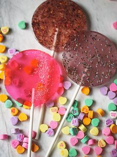 These gourmet vegan lollipops would make a great Valentine's Day gift.
