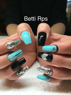 Black&baby blue nails