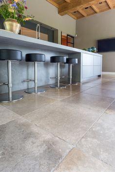 Terrazo, Apartment Projects, Tile Floor, Flooring, Table, Interiordesign, Furniture, Beige, Home Decor