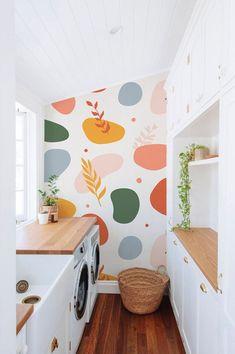 Tudo sobre essa tendência de decoração! Diy Casa, New Room, Room Inspiration, Wall Murals, Mural Art, Diy Home Decor, House Design, Temporary Wallpaper, Pattern Wallpaper
