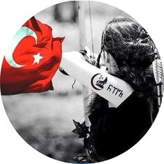 Turkish Military, Turkish Army, Female Soldier, Army Soldier, Army Wallpaper, Wallpaper Quotes, Turkey Flag, Art With Meaning, Wolf Artwork