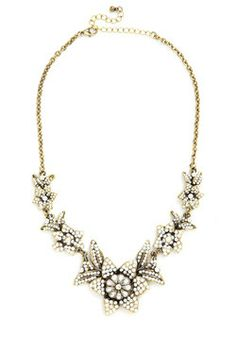 Brilliant blooms necklace