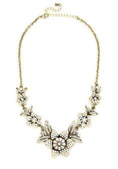 Brilliant blooms necklace