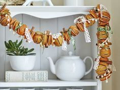 For a beautiful and unique Christmas decoration, raid the fruit bowl and make this dried orange Christmas garland.