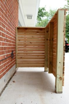 Diy Outdoor Garbage Can Storage Inspirational Diy Trash Enclosure House Tweaking Trash Can Storage Outdoor, Garbage Can Storage, Outdoor Trash Cans, Backyard Fences, Backyard Projects, Outdoor Projects, Fence Garden, Yard Fencing, Nice Backyard