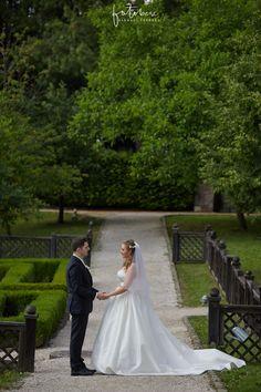 Esküvői fotózás Visegrád: A fellegvárban jártunk! - Esküvői fotós, Esküvői fotózás, fotobese Mermaid Wedding, Wedding Dresses, Fashion, Bride Dresses, Moda, Bridal Gowns, Fashion Styles, Weeding Dresses, Wedding Dressses