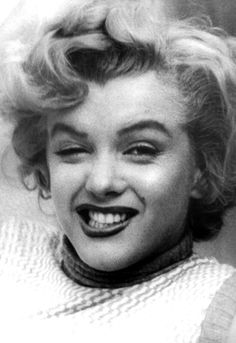 Marilyn at the Bel Air Hotel, 1953. Photo by Andre de Dienes