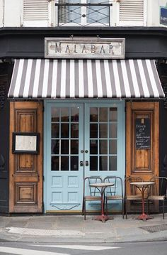 Foodie Travel 512636370075506824 - Paris Cafe Photograph, Malabar Cafe, Large Wall Art, French Kitchen Decor… Source by abigailtsouints Coffee Shop Design, Cafe Design, Coffee Shop Menu, Bakery Design, Design Design, Design Trends, Rustic Table And Chairs, Mein Café, French Kitchen Decor