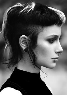 'Mullet hair', the retro hairstyle that comes back to stay Hair Inspo, Hair Inspiration, Punky Hair, Mullet Hairstyle, Easy Hairstyle, Hairstyle Ideas, Easy Updo, Pelo Vintage, Alternative Hair