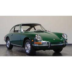 Green Porsche 912