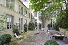http://www.proprietesparisiennes.com/fr/vente-achat-immobilier-luxe-appartement-prestige-hotel-particulier-pied-a-terre-paris/ref-PP3-108/vente-maison-10-pieces-6-chambres-paris-75005/