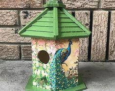 Birdhouse Craft, Birdhouse Designs, Bird Houses Painted, Decorative Bird Houses, Painted Birdhouses, Outdoor Paint, Red Roof, Wood Interiors, Raw Wood