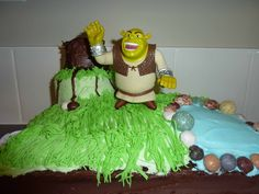 06-29-10-shrek-cake-web.jpg 2,560×1,920 pixels