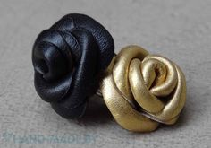 Leonie's Creations: Glamorous Roses from leather Diy Leather Rose, How To Make Leather, Leather Flowers, Leather And Lace, Handmade Flowers, Diy Flowers, Fabric Flowers, Diy Projects Design, Leather Tutorial
