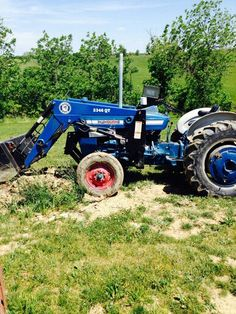 FORD 2000 Compact Tractors, New Holland Tractor, Ford Tractors, Yesterday And Today, Country Life, Techno, Homestead, Tractors, Tractor