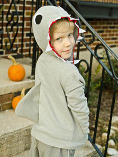 Make a Kid's Shark Costume for Halloween : Decorating : Home & Garden Television